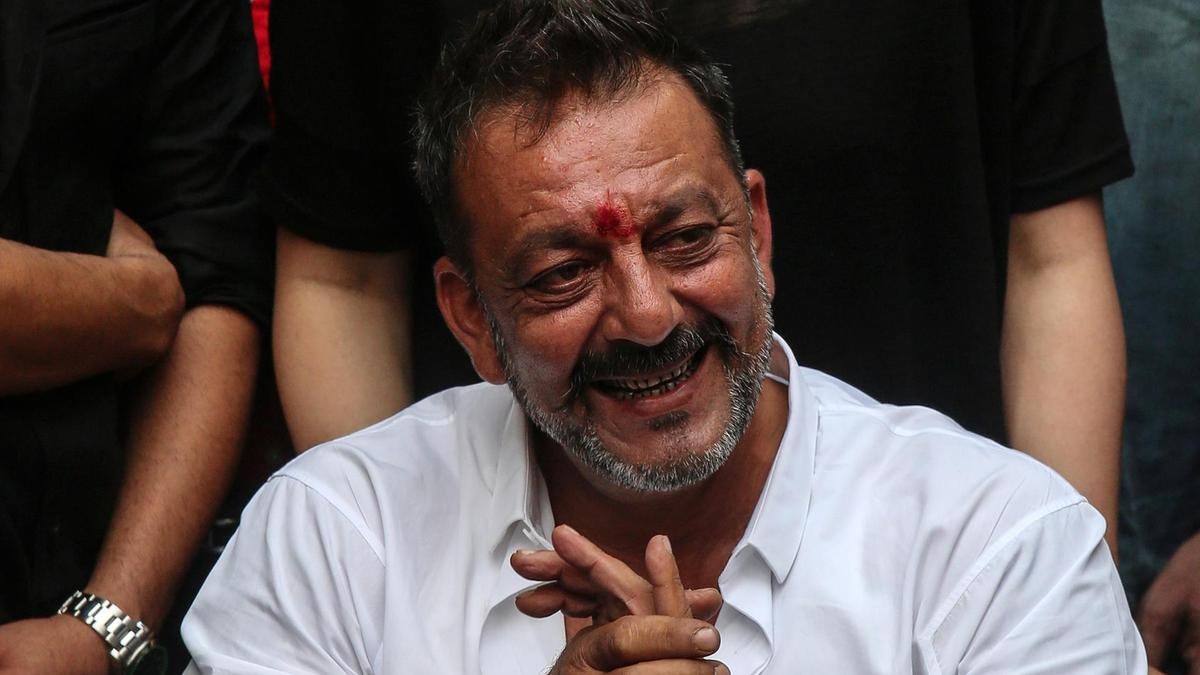 Sanjay Dutt recovers from cancer - The Current
