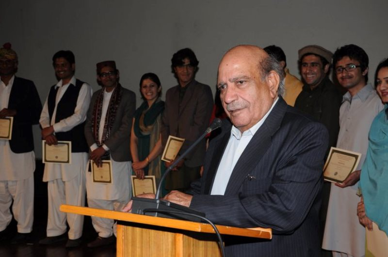 IA Rehman giving lecture